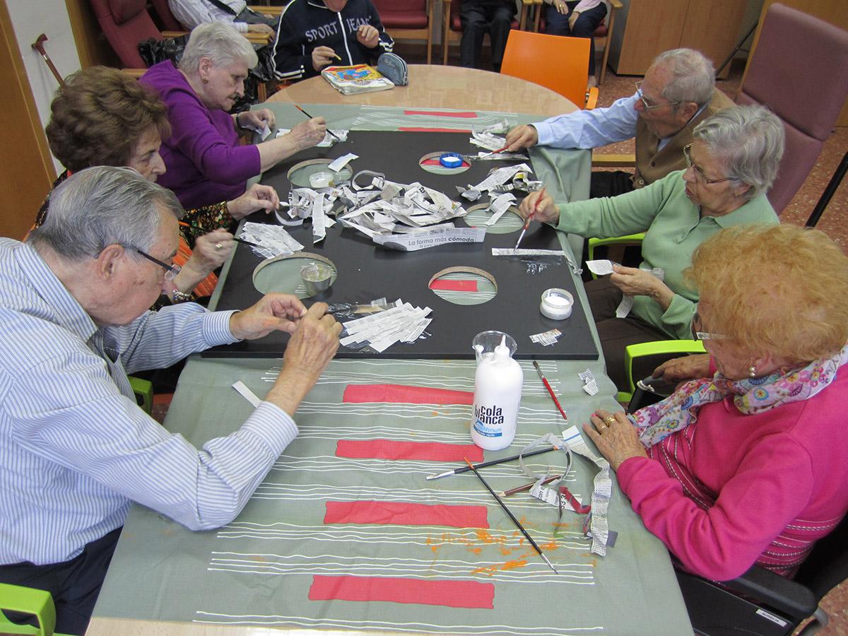 Servicios que ofrecemos en el centro de d a fortuny albors - Duchas geriatricas ...